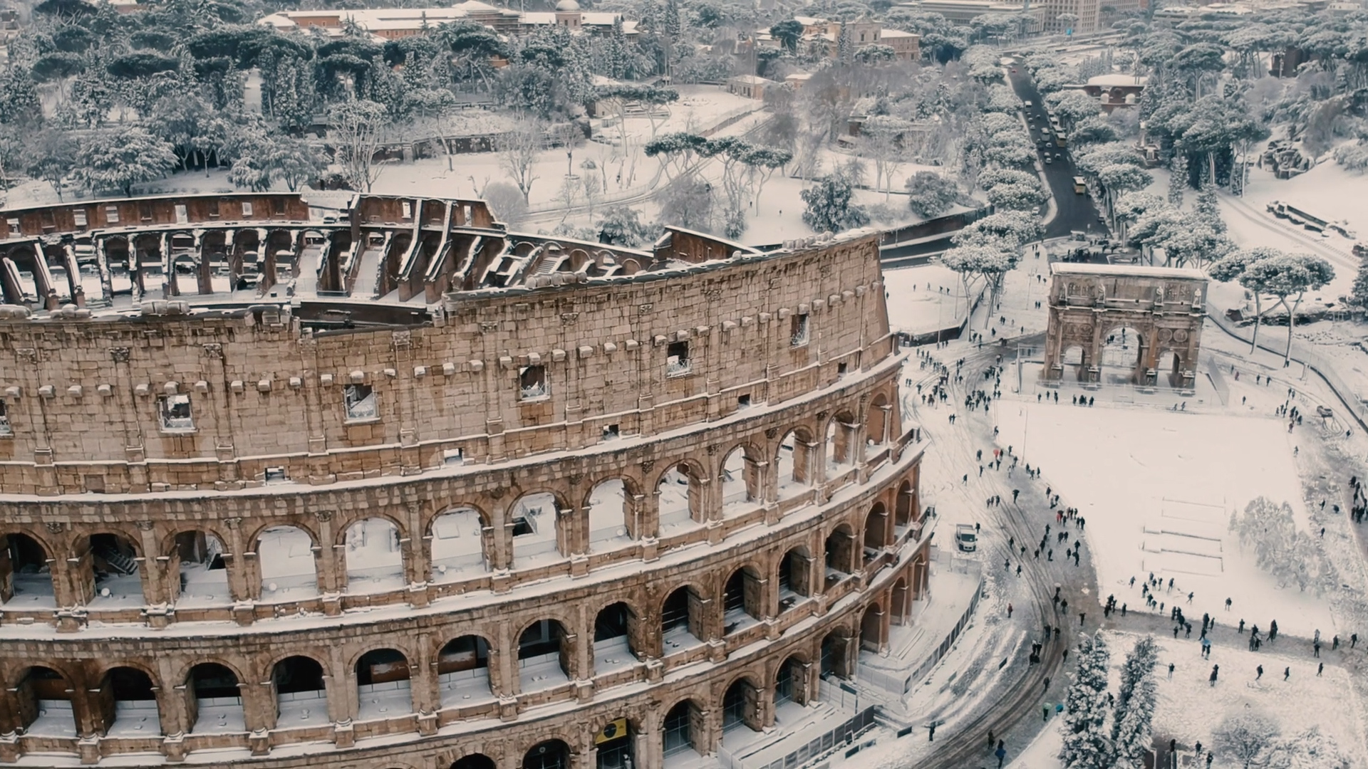 rare snowfall covers rome s monuments national geographic